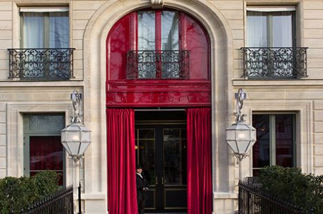 La-Reserve-Paris-Hotel-Entrance.jpg